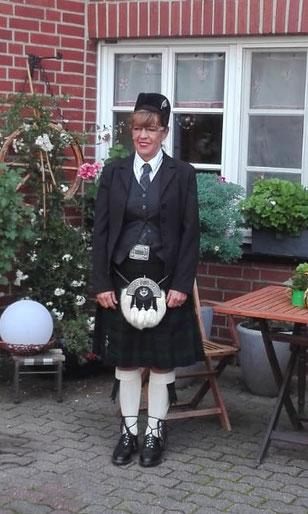 Kathy - Tenor Drummerin